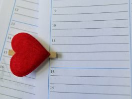 national days calendar heart